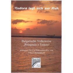 Todora legt sich zur Ruh : für Panflöten- Ensemble Partitur und Stimmen